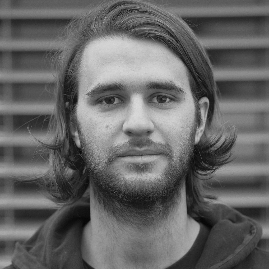 Frank hegi schauspieler for Innendekorateur info